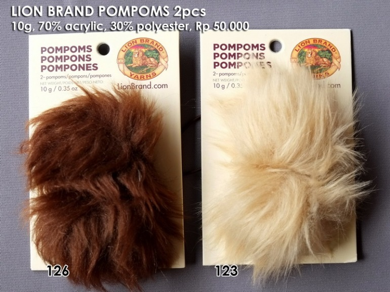 Lion Brand Pompoms 2pcs